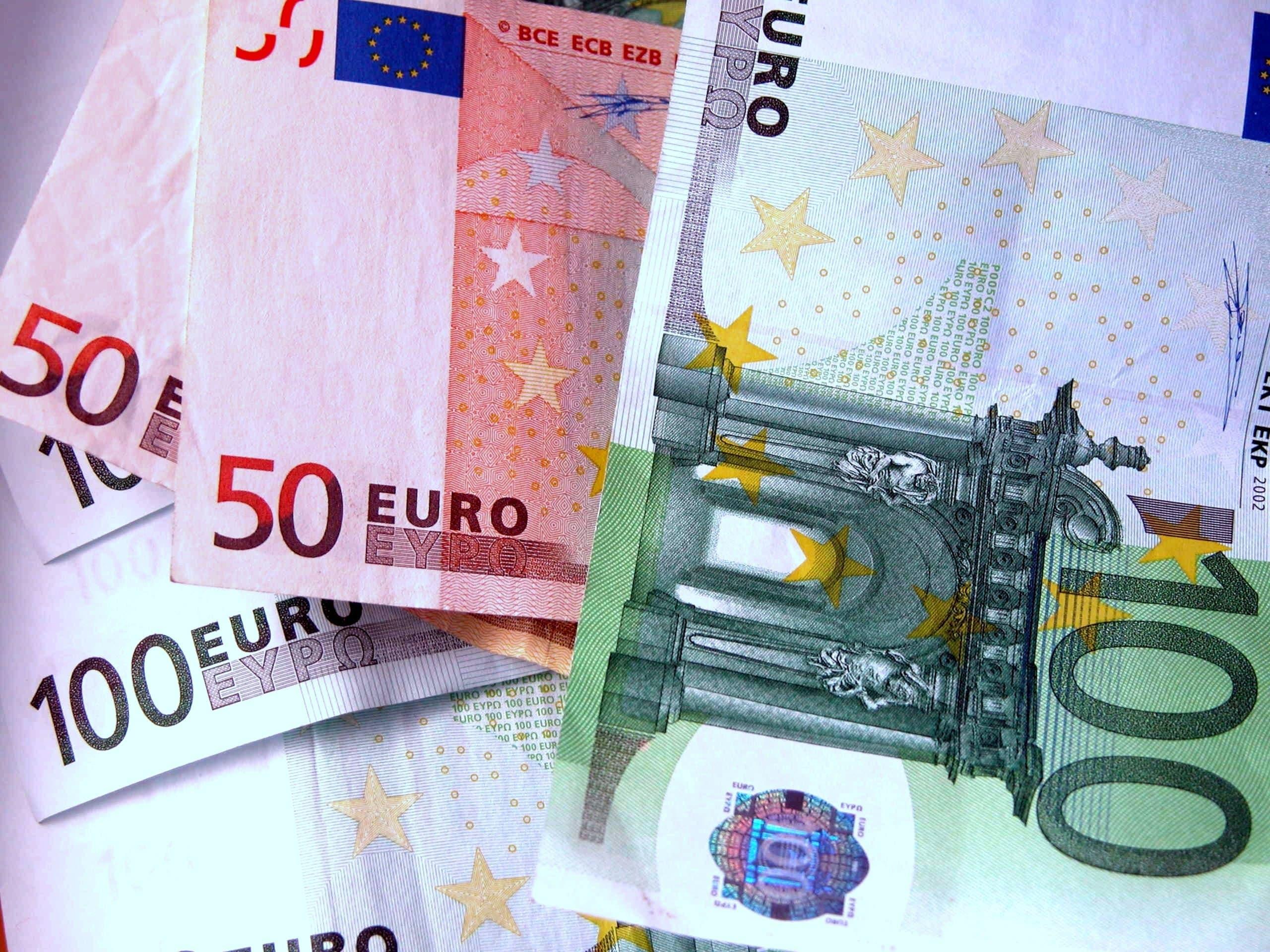 Saving banks | Statute changes versus brand changes